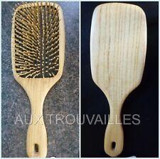 brosse à cheveux plate manche bois et picots synthétiques massage cuir chevelu