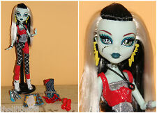 Poupée Monster High Exclusive Frankie Stein I Love Fashion Doll and 3 Outfit set