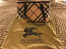 Burberry Nova Check Regent Zip Tote
