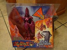 2004 MATTEL--YU-GI-OH TOTAL CONTROL--QUEEN'S KNIGHT ACTION FIGURE (NEW)