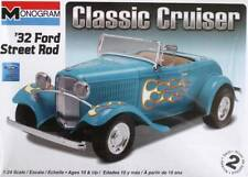 FORD STREET ROD 1932 CLASSIC CRUISER MONOGRAM 85-0882 1:24 PLASTIC KIT NEW