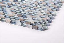 Mosaikfliesen Muster in Weiß, Blau und Silber in Glas und Naturstein. (MT0125)