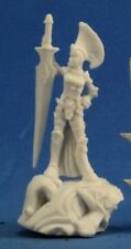 FEMALE PALADIN - Reaper Miniatures Dark Heaven Bones - 77302