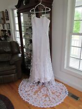 Wedding Dress with Train from Diane's Bridal Shop - Mint Condition Size 12