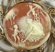 Hobe Cameo Brooch/Pin Vintage from the 1960's Signed Hobe