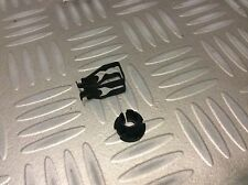 Ford Escort MK2/Granada MK1/2 New Genuine Ford throttle bar clips.