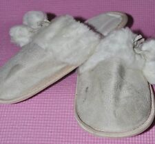r- SHOES WOMENS SZ 7 SLIPPERS NEVER WORN WARM FUZZY LINING GENTLY USED 1 SPOT