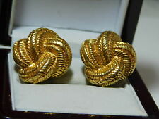 Smart Signed Carolee Love Knot Gold tone Woven Texture Clip on Earrings 12f 12