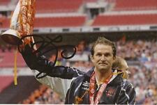 BLACKPOOL: SIMON GRAYSON SIGNED 6x4 TROPHY ACTION PHOTO+COA