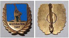 Schützen-Abzeichen Brosche Schützen Wiesbaden 1967 / emailliert