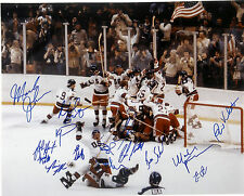 1980 OLYMPIC USA HOCKEY TEAM SIGNED 10X8 PHOTO! MIRACLE ON THE ICE! GREAT PHOTO