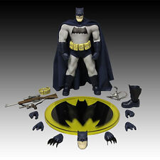 MEZCO ONE 12 COLLECTIVE BATMAN DARK KNIGHT RETURNS ACTION FIGURE DARK BLUE