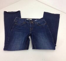LEVI WOMEN'S 526 SLENDER BOOTCUT JEANS MEDIUM WASH  SZ 4