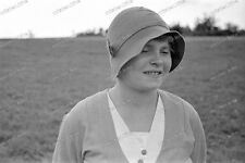 Negativ-Frau-Hut-Mode-Cute-German-Woman-Girl-Lady-Hat-1930er Jahre-1930s-6