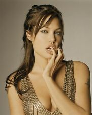 Angelina Jolie UNSIGNED photo - F606 - GORGEOUS!!!!