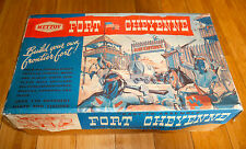 VINTAGE METTOY FORT CHEYENNE 6271 RARE TOY C.1950's BOXED RARE TINPLATE STABLES