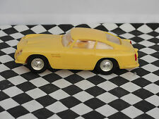SCALEXTRIC ASTON MARTIN DB4 GT MM/C68 YELLOW  RESIN/ PLASTIC 1.32 UNBOXED