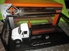 IH wrecker International 4400 Rollback Flatbed Tow truck 1:24 hauls promo model