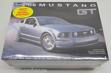 Revell '06 Mustang GT Model Car Kit #2839 1:25 Scale Sealed FREE SHIPPING