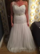 BNWT Stunning Alfred Angelo Dress Size 14 REDUCED