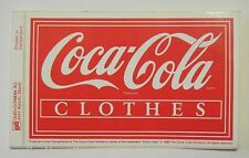 VECCHIO ADESIVO ORIGINALE / Old Original Sticker COCA COLA CLOTHES (cm 11 x 7) f