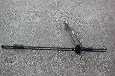 THULE Upright Bike Carrier Roof Rack Mountain or Road Bicycle