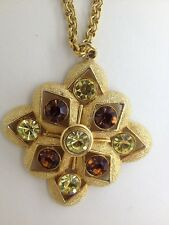 SARAH COVENTRY GOLDTONE PENDANT NECKLACE WITH GREEN & ORANGE RHINESTONES (c412)