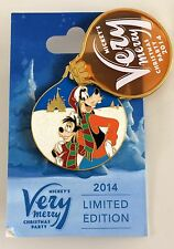 VERY MERRY CHRISTMAS PARTY Disney Pin 2014 GOOFY & MAX LE 4000
