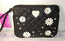 NWT Betsey Johnson Wristlet Bag Pouch black /cream  Quilted Flower mini bag