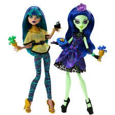 New Monster High Scream and Sugar Doll - Nefera de Nile and Amanita Nightshade