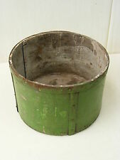 bel vecchio Tazza misurazione da legno - calibrato, verde con Tubi raccordi