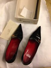 Moschino cheap & chic black patent leather pump heels red heart size 40 US 9.5