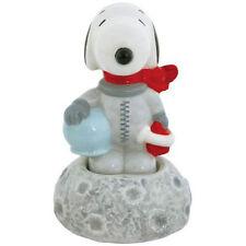 New PEANUTS SNOOPY Salt Pepper Shakers Set ASTRONAUT DOG ON MOON Figurine Statue