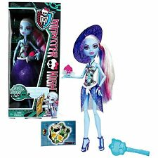 Monster High Skull Shores Abbey Bominable Doll <RETIRED>
