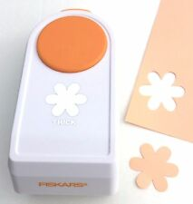 "Fiskars THICK MATERIALS 1.5"" Medium FLORAL FRENZY Flower Shape Punch NEW"
