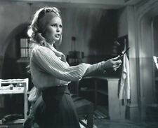 VERONICA CARLSON UNSIGNED PHOTO - 4056 - FRANKENSTEIN & DRACULA