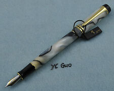 Kaigelu (kangaroo) 316 Veined White Fountain Pen Medium Nib Without Box