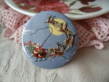 Vintage china ceramic porcelain brooch pin with Father Xmas Christmas scene