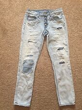 EUC Jrs Destroyed Look AMERICAN EAGLE Jeans Size 2 TOMGIRL 30 X 29 Buttonfly