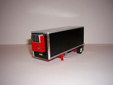 DCP 1/64 BLACK AND RED WABASH SINGLE AXLE PUP REEFER TRAILER