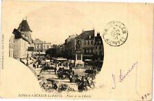 CPA LONS-le-SAUNIER - Place de la Liberté (211926)