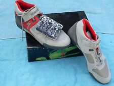 New Cycling Shoes Specialized size US 11 dirty dog grey red