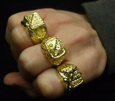1 x 80s Fancy Dress Gold Coloured Metal Ring Del Boy Bling Pimp Rapper Chav New