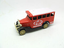 CORGI BEDFORD BUS KITKAT KIT KAT RED AND WHITE