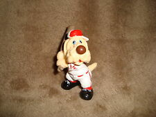Wrinkles Ganz Bros 1985 PVC Figure Baseball Dog cream coloured dog 2.25""