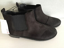 BNWT Older Girls Sz 5 Target Brand Black Suede Look Elastic Side Ankle Boots
