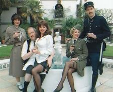 Vicki Michelle, Gorden Kaye & Arthur Bostrom UNSIGNED photo - 1296 - 'Allo 'Allo