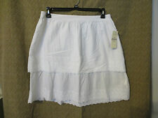 NWT - BASS  ladies white  tiered skirt - MSRP $58.00 - sz M