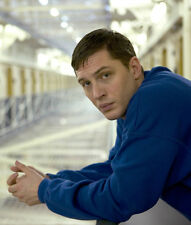 Tom Hardy UNSIGNED photo - D383 - SEXY!!!!!