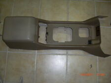 1999-00-01-02-03-2004 LAND ROVER DISCOVERY II CENTER CONSOLE ARM REST TAN